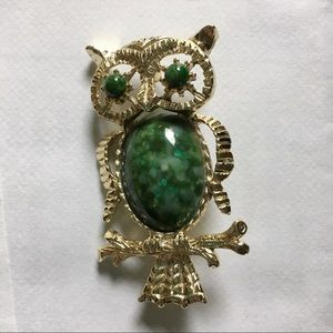 Jewelry - Vintage Gerry's Gold Plated Green Stone Owl Brooch